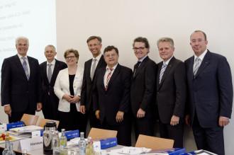 Gerhard Witzany, Peter Esser, Thomas Hanauer, Dr.  Alois Plößl, Gerhard Ludwig, Stefan Rödl, Karin Siegert und Dr. Rolf  Pfeiffer